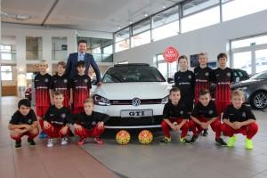 Großer Danke geht an das VW Autohaus Pillenstein die unseren Jungs die Trikots zur Verfügung gestellt haben.